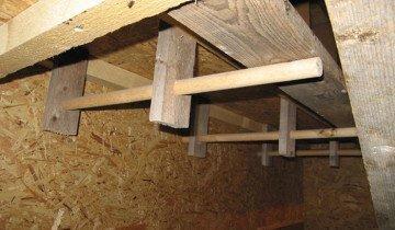 Фотография крепления гнезда к стене, derevnya-online.ru