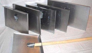 Изображение снегоуборочной лопаты из алюминия, qusiter.net