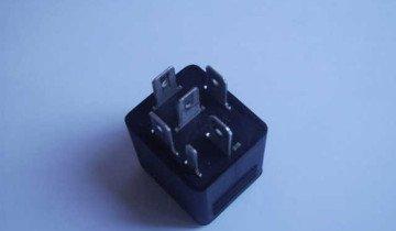 На фото реле замыкания резистора, yaplakal.com