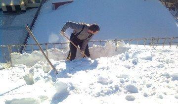 Фото уборки снега фанерной лопатой, s4.postimg.org