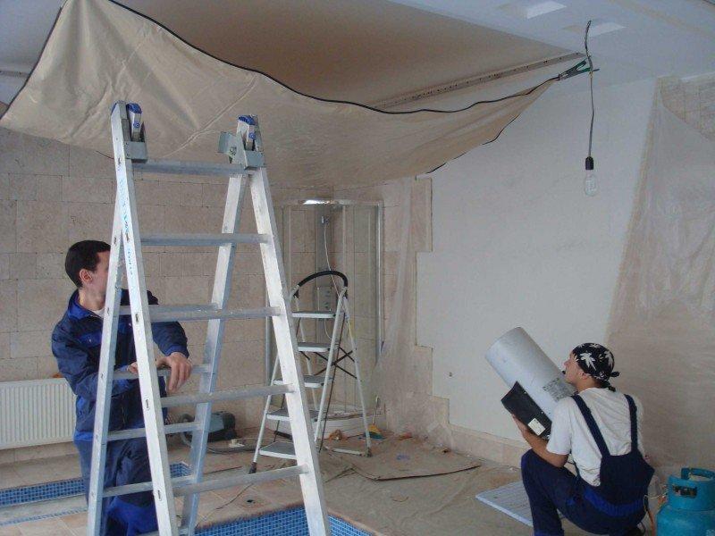 Технология натяжных потолков фото