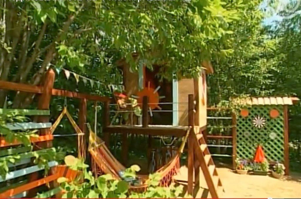 Детская площадка с навесом