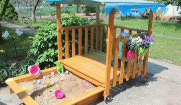Песочница для детей с верандой