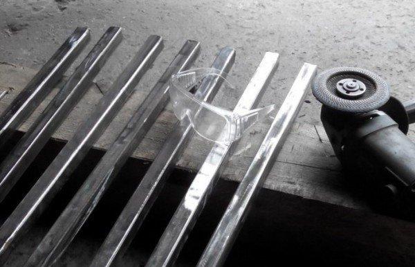 Шлифуем и очищаем трубы