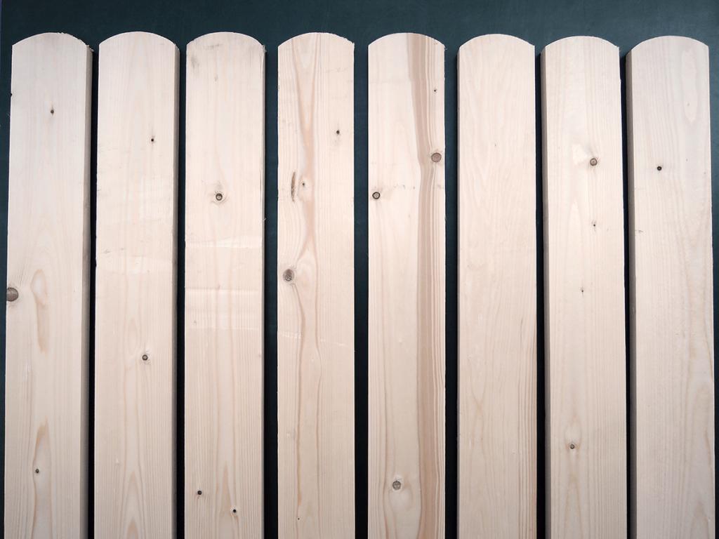 Деревянные доски для ограждения