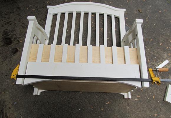 Передние ножки на скамейке