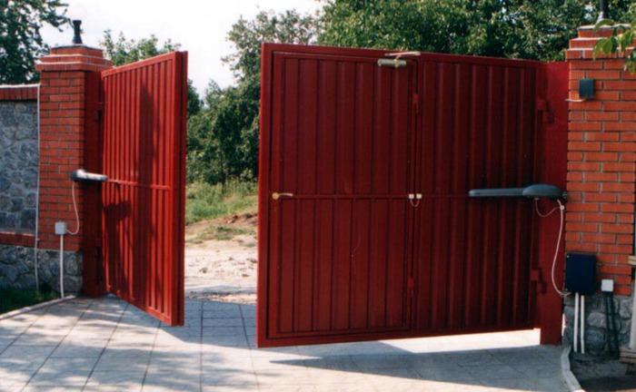 Электропривод на открытых воротах