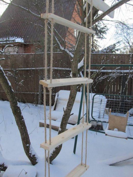 Верёвочная лестница для спорта на даче