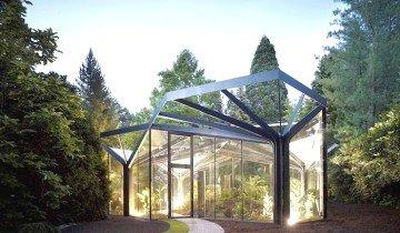 На фото зимний сад из стекла, stroyprosto.com.ua