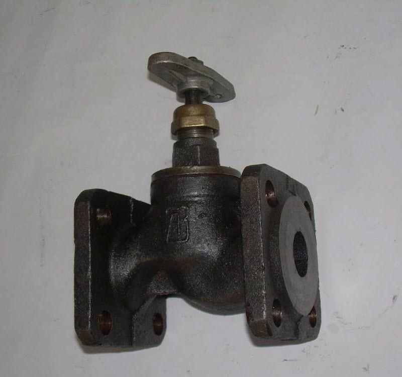 Фотография запорного вентиля для водопровода