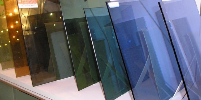 Теплоотражающее стекло