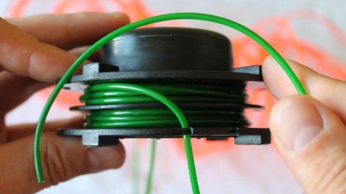 Намотка лески на катушку головки триммера