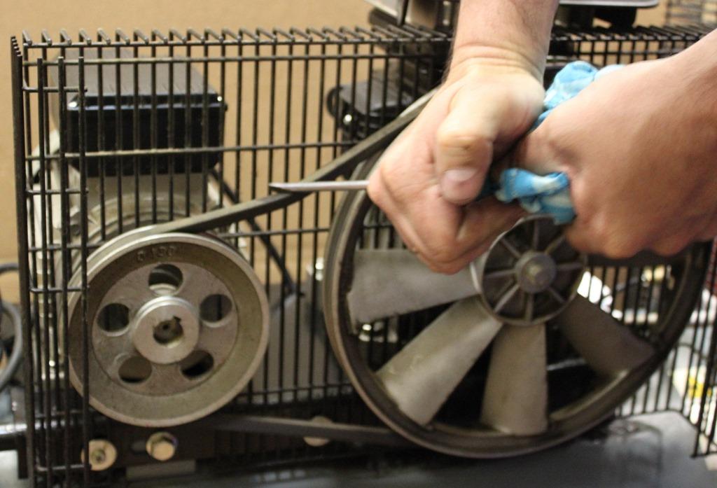 проверка натяжения ремня на компрессоре воздушном