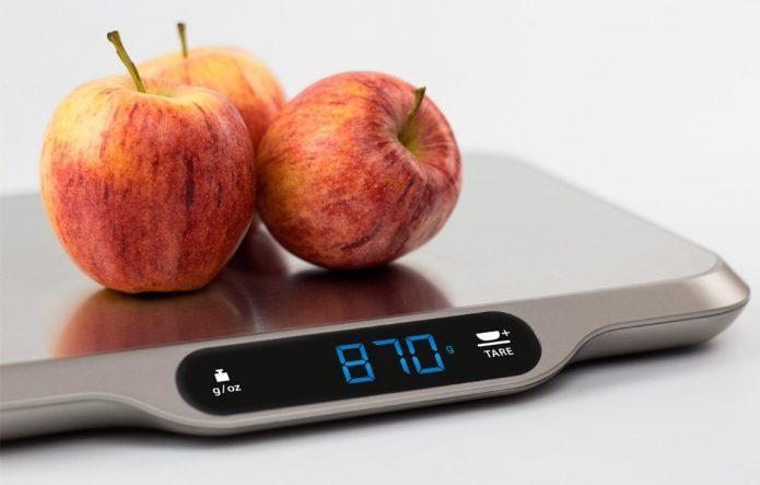 Взвешивание яблок