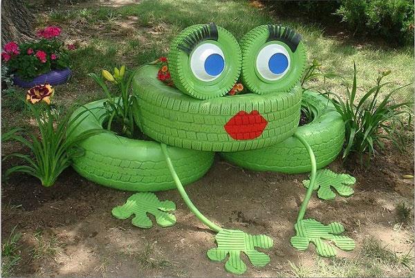 Клумба-лягушка